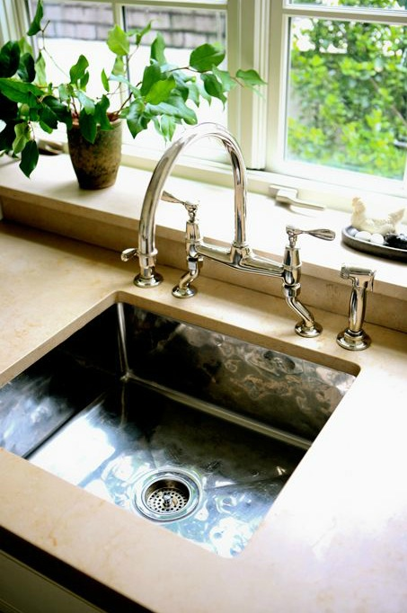 Merveilleux Hammered Metal Sink