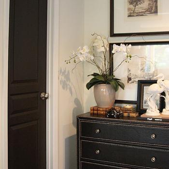 Black paint color contemporary bedroom ralph lauren for Benjamin moore bone black