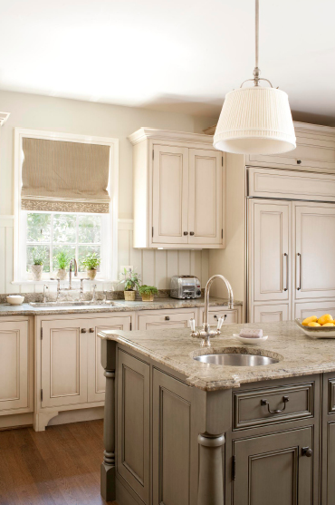 Roman white granite design ideas for Antique white kitchen cabinets