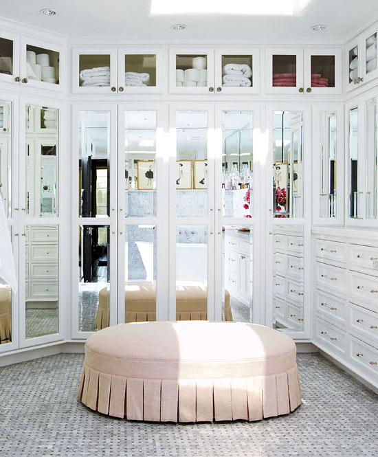 Luxurious closet with mirrored doors luxurious closet for Master bedroom dressing room ideas