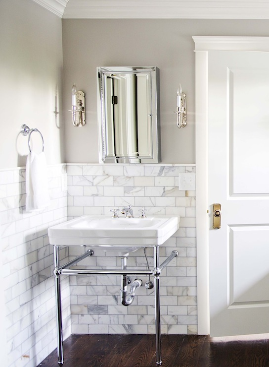 Revere pewter contemporary bathroom benjamin moore revere pewter white gold design Home hardware furniture collingwood