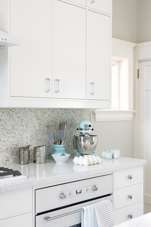 7 Tips for Decorating With White Stainless Steel Appliances ...