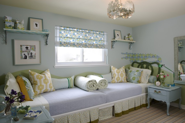 Blue and green girl 39 s bedroom contemporary girl 39 s room for Blue and green girls bedroom ideas