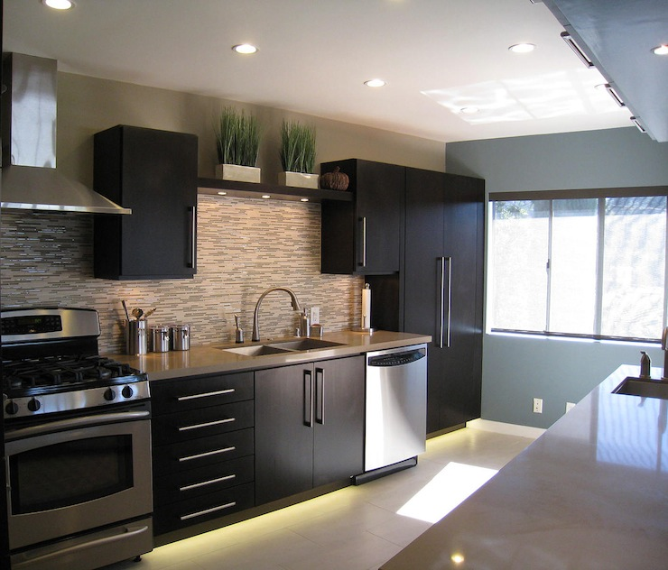 Modern Kitchen Backsplash Dark Cabinets espresso kitchen cabinets design ideas