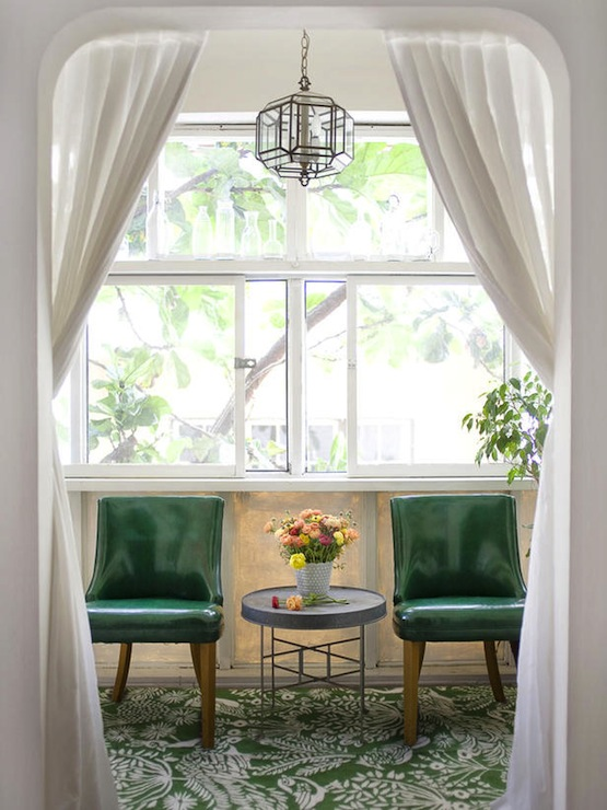 Sunroom design vintage bedroom emily henderson for Sunroom curtains