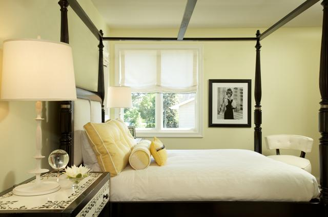 black canopy bed - Yellow Canopy Interior