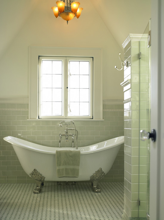 View Full Size Bathroom With Cathedral Ceiling Vintage Clawfoot Tub