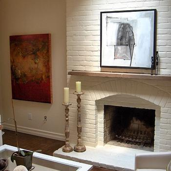 Red Brick Fireplace With White Mantle - Design photos