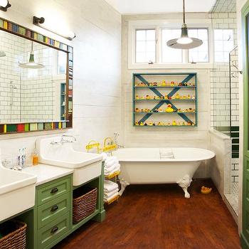 Captivating Vintage Bathroom Design