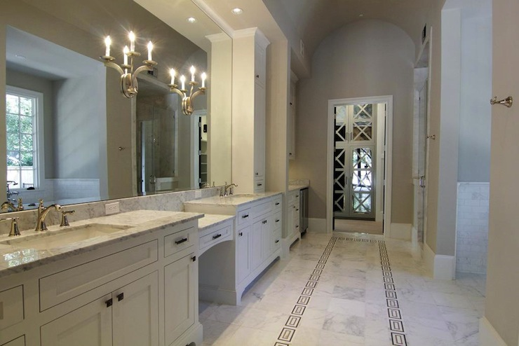White and gray master bathrooms design ideas for Grey and white bathroom decor