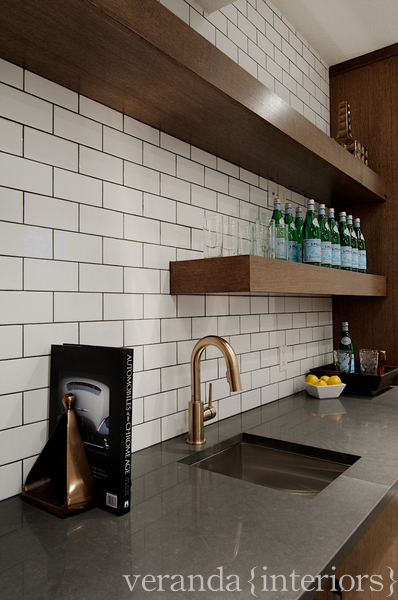 Modern Basement Wet Bar. Wet Bar Design  Contemporary basement Veranda Interiors