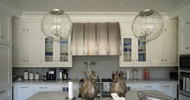 4 Pendant Lights Over Kitchen Island