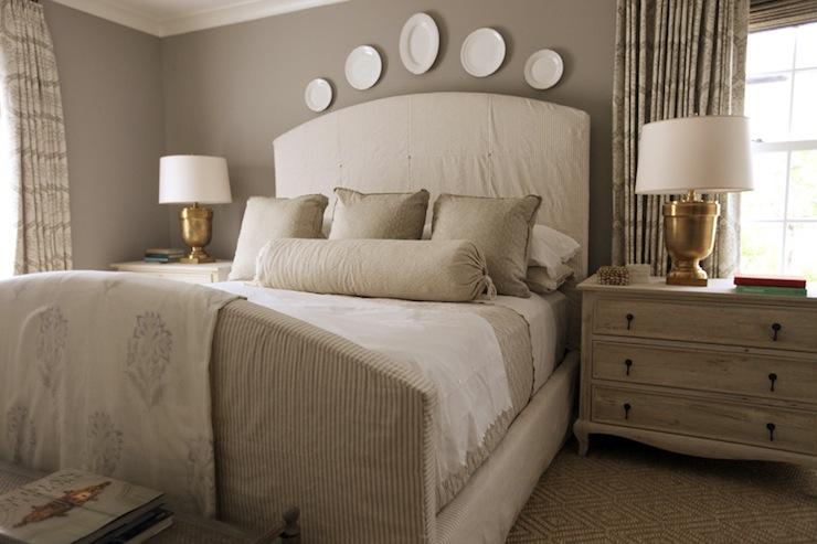 Quarto Rustico ~ Gray Walls Cottage bedroom Pratt and Lambert Ever Classic Urban Grace Interiors