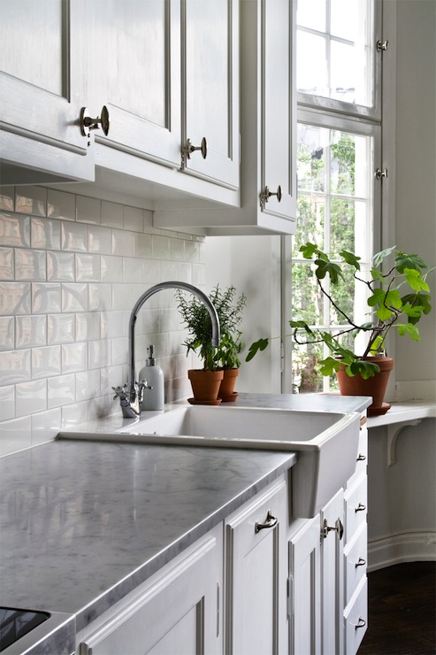 Shallow Farmhouse Sink Transitional Kitchen Byggfabriken