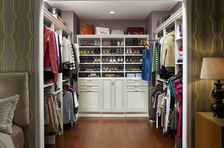 Walk in closet shelves