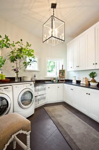 white laundry room cabinets traditional laundry room k rocke design. Black Bedroom Furniture Sets. Home Design Ideas