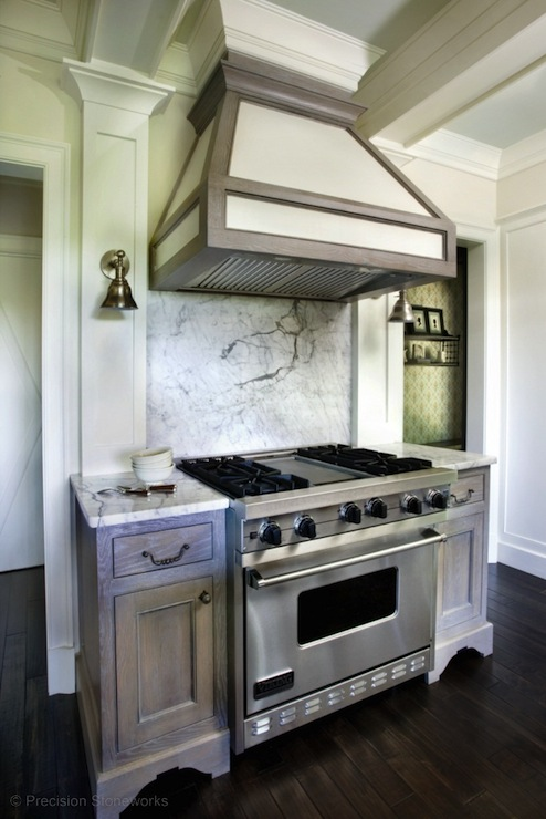 Ordinaire Wire Brushed Oak Cabinets