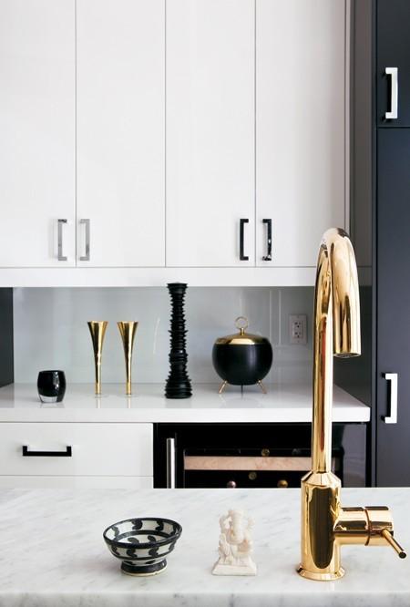 White Kitchen Cabinets Gold Hardware Design Ideas