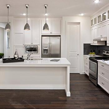 White kitchen cabinets with stainless steel appliances for Chocolate kitchen cabinets with stainless steel appliances