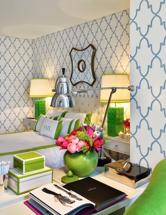 Quatrefoil wallpaper hollywood regency bedroom ana for Green bedroom wallpaper