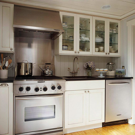 Gray Galley Kitchen: Gray Galley Style Kitchen With Gray And White Quartzite Countertops