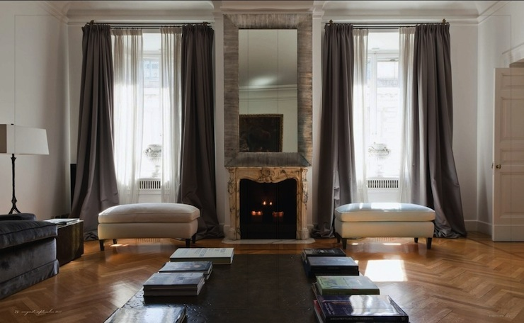 Gray curtains french living room stefania di girolamo - How to pick curtains for living room ...