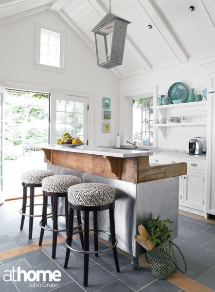 Cathedral ceiling kitchen design ideas for Kitchen designs with cathedral ceilings