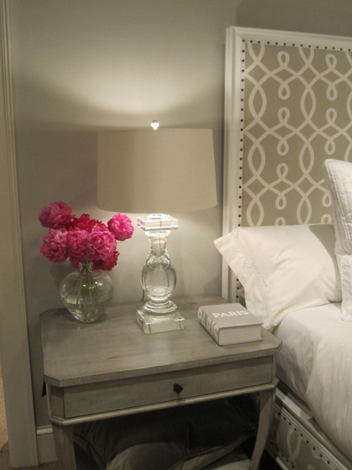 Crystal buffet lamps - Stunning Monochromatic Gray Bedroom Design With Soft Gray Walls Paint