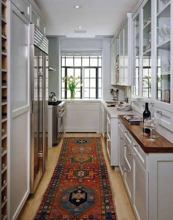 Galley kitchen transitional kitchen best and company nyc for Armoire couloir design