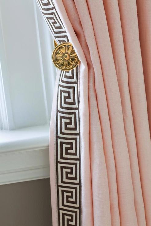 pink drapes contemporary living room benjamin