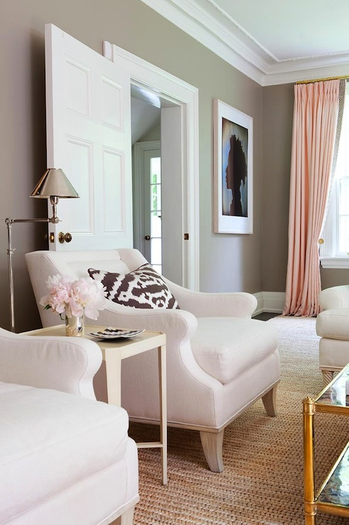 Taupe paint color contemporary living room benjamin for Kleurcombinaties interieur