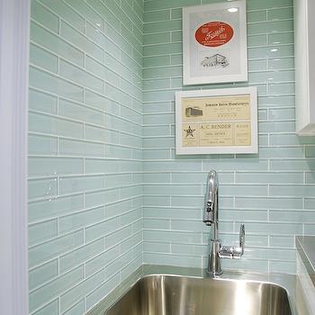 Sea Blue Glass Tile Backsplash Design Ideas