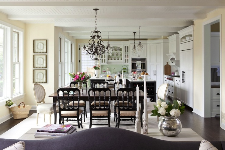 cottage dining room - cottage - dining room - benjamin moore pale