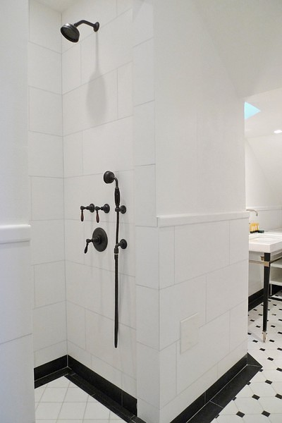 Black And White Bathroom Contemporary Bathroom