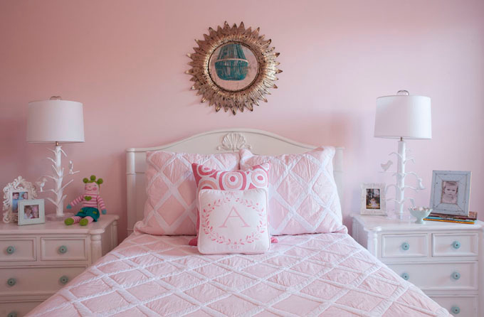 Pink girl 39 s bedding and benjamin moore touch of pink for Baby pink bedroom ideas