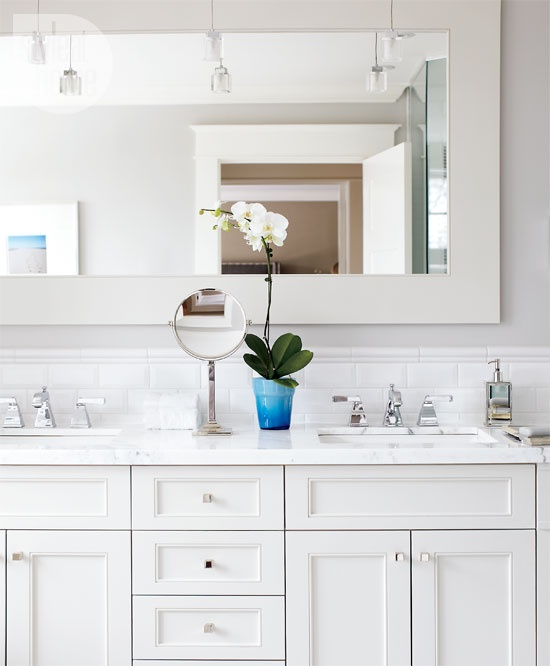 off white bathroom cabinets transitional bathroom style at home. Black Bedroom Furniture Sets. Home Design Ideas