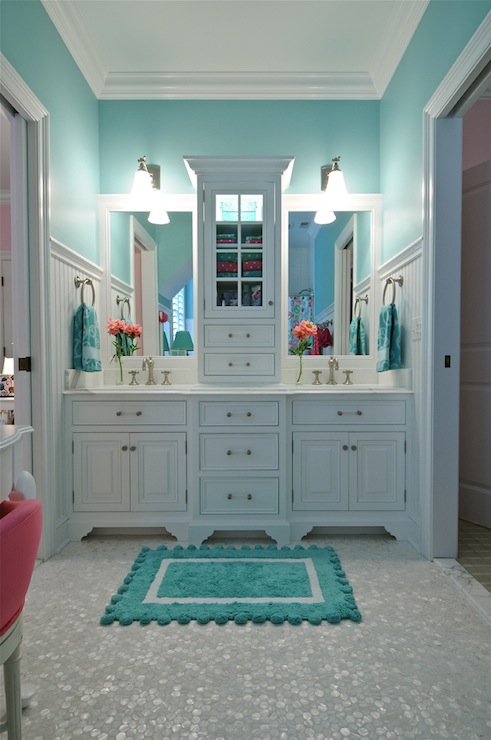 Turquoise bathroom contemporary bathroom tr building for Turquoise bathroom decor