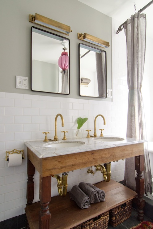 Salvaged wood double washstand vintage bathroom - Deco salle de bain vintage ...