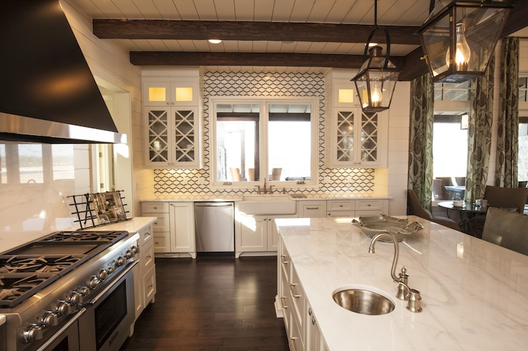 Geometric Tile Backsplash Cottage Kitchen Southern