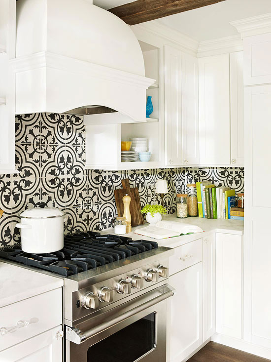 Patterned moroccan tile backsplash design ideas for Small kitchen backsplash ideas pictures