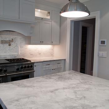 Michelle Winick Design Super White Quartzite