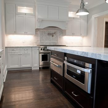 Alaska White Granite Transitional kitchen Benjamin Moore