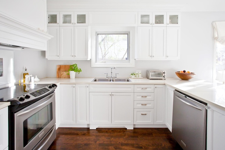 White U Shaped Kitchen With Peninsula Island And Hardwood Floors. Lux Decor Part 36