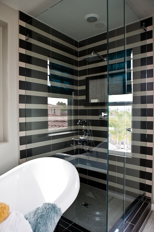Black shower floor tiles design ideas for Black tile bathroom designs