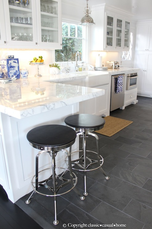 Staggered tile floor cottage kitchen classic casual home for Classic kitchen floor tile