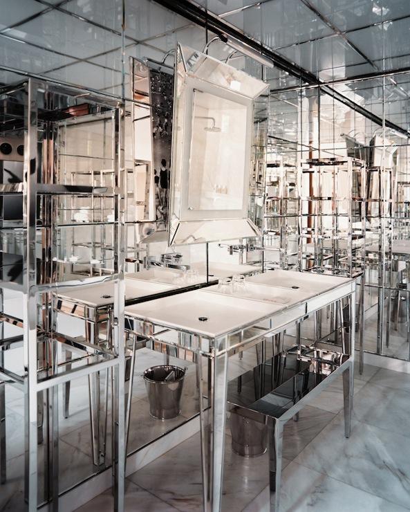 Mirrored Bathroom Vanity Design Ideas