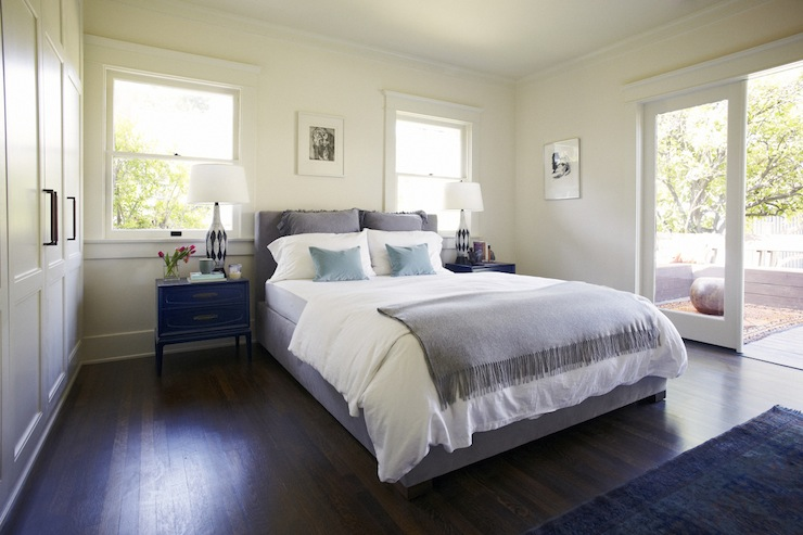 Gray and blue bedroom contemporary bedroom simo design for Bedroom ideas dark wood floor