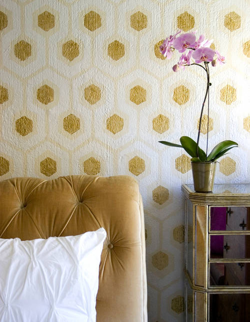 Hexagon wall contemporary bedroom almost 40 year old for Gold wallpaper for walls