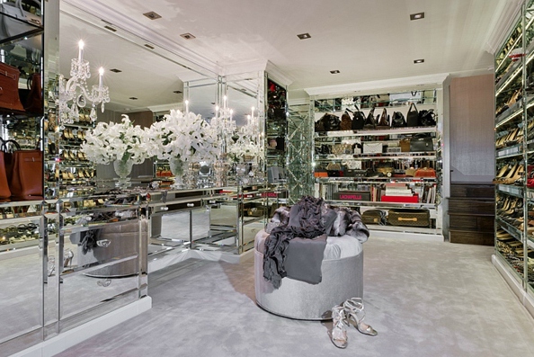 Amazing Glamorous Walk In Closet With Mirrored Handbag And Shoe Shelves.