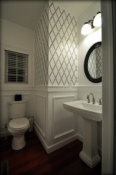 Trellis wall stencil contemporary bathroom valspar for Dark bathroom wallpaper
